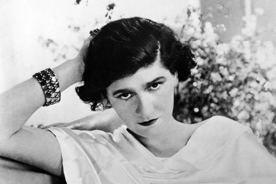 Creator of the classic Chanel suit, the little black dress and Chanel No.5, French fashion icon and designer Coco Chanel was born #otd in 1883 #designanddesigners