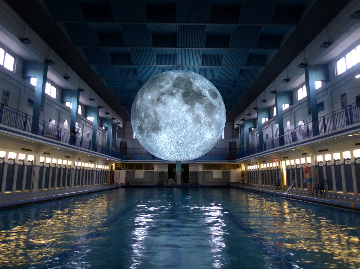 A six-metre model of the moon by @lukejerram @NHM_London features meticulously detailed @NASA imagery of the lunar surface, ambient moonlight and an evolving soundscape. #apollo50th  http:// aestheti.cc/m3wc9    <br>http://pic.twitter.com/0hcGMzyUuV