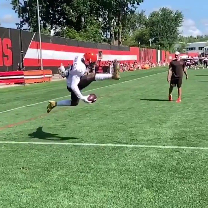 Video: Odell Beckham Jr. Shows Off His Hands At Practice