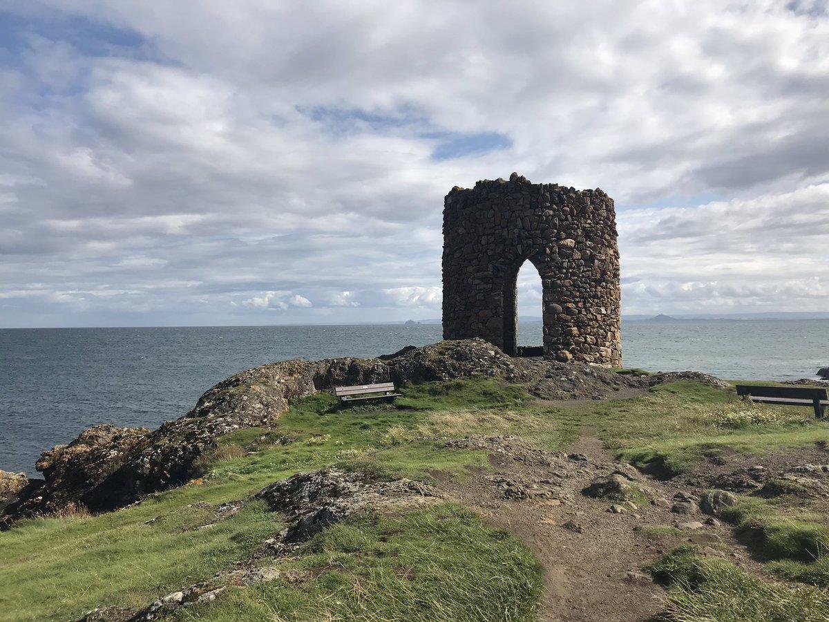 The Scottish coast is prettttttttyyyyyyyy