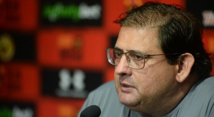 Técnico do Sport fala sobre elenco, que o defendeu de críticas: