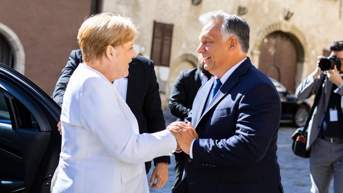 Orban lobt Merkel und hat eine Botschaft an Europa to.welt.de/MZhUU1q