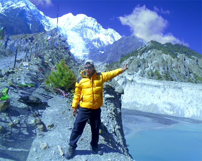 Ice lake of Annapurna region;#annapurna #visitnepal2020 #treks #discovernepal #travel #lifetimeexperience #bestdestination #onceisnotenough✅https://www.karmaecoadventure.com/package/annapurna-circuit-trek/…