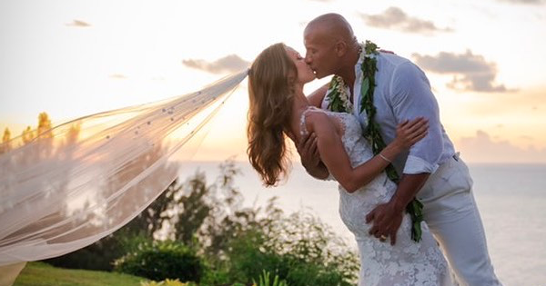 Dwayne The Rock Johnson got married yesterday! Congratulations to him and his wife on taking the most gorgeous pics weve ever seen. 😍 eonli.ne/31PXTTA