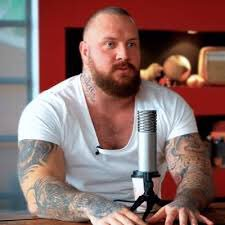 """What's gan on it's True Geordie BACK AGAIN, talking about taking a 12-inch dilla in the cackvalve and asking lasses to shit in my mouth""  #NUFC <br>http://pic.twitter.com/PUS6cGvHF0"
