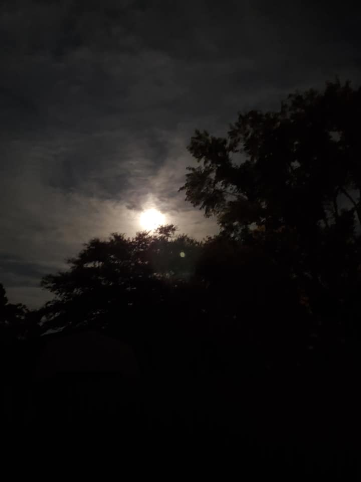 It's a wonderful night for a moon dance. A full moon sheds its light upon middle and high clouds in Virginia Beach on Friday, August 16th, 2019. https://t.co/wMpZPl4q4p