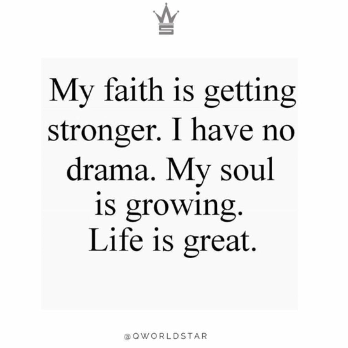 """Mood...keep evolving...never let the BS & negativity weigh you down!""   @QWorldstar #PositiveVibes <br>http://pic.twitter.com/JZwuvOCSP1"