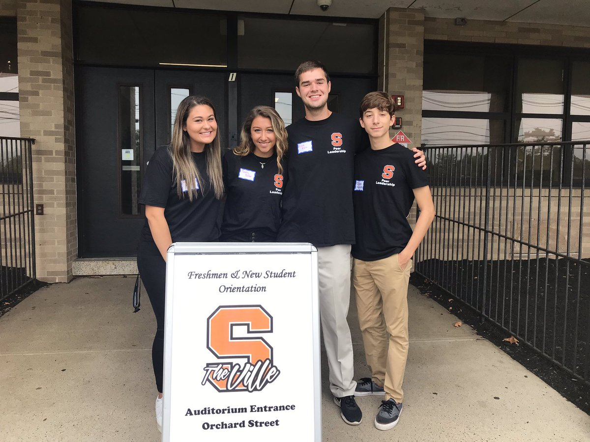 Peer Leaders ready to welcome our new Pioneers at Freshmen/New Student Orientation #villepride @GFoleySHS<br>http://pic.twitter.com/upsaioEpvF