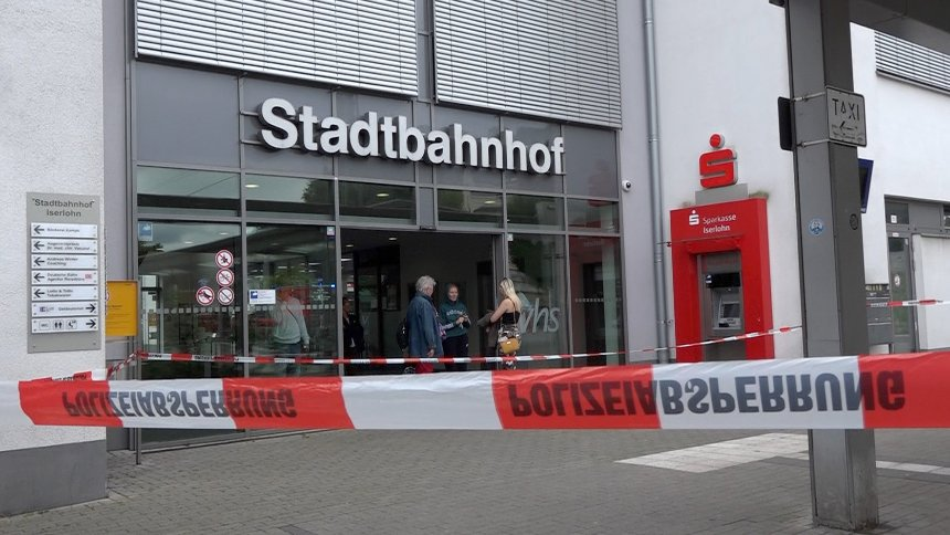 Bahnhof in Iserlohn: Verdächtiger gesteht Messerangriff https://t.co/dmQWBNCXZC https://t.co/hYIFmVRRFj