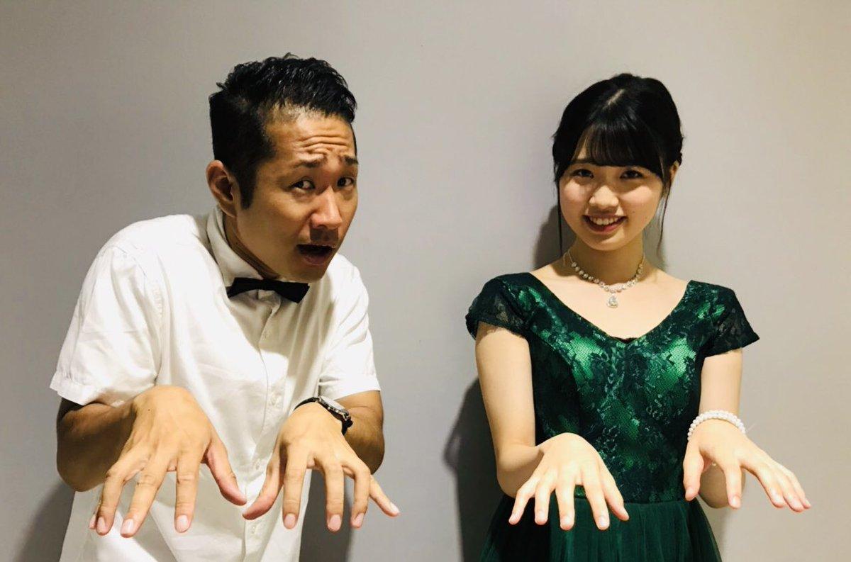 """さわやか五郎っす!小林""""ショパン""""萌花ちゃん初のBDイベントは彼女をより知る事が出来たのでは?!ピアノ以外の特技も発見?!絶対音感がある?!写真はファンの方が1番撮りがちであろう連弾ポーズやってみまシファ♪ブログ更新しました。↓↓↓↓"""