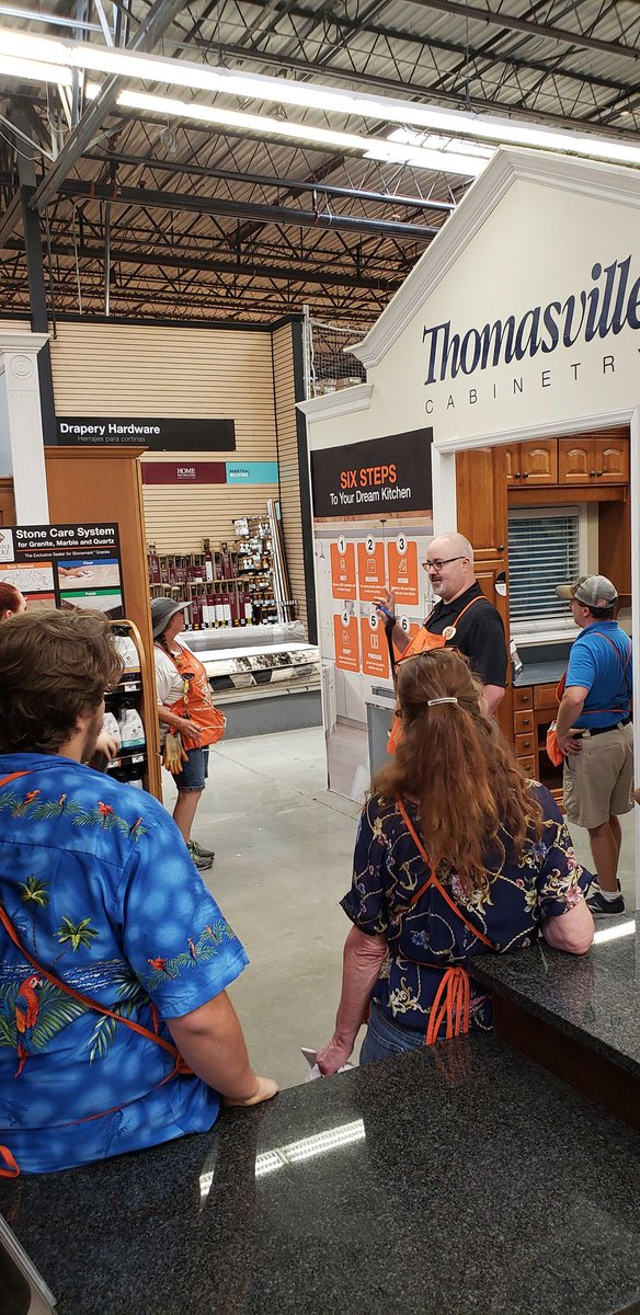 Bringing the #knowledge back to the store #1103THD. Sharing cabinet makeover and countertops and 6 step kitchen processes. Great job Scott! @JenniferReidHD @TammyColemanTHD @brycelong123 @Aadne8 @SE_RSM_Aponte<br>http://pic.twitter.com/qljkP4u6YY