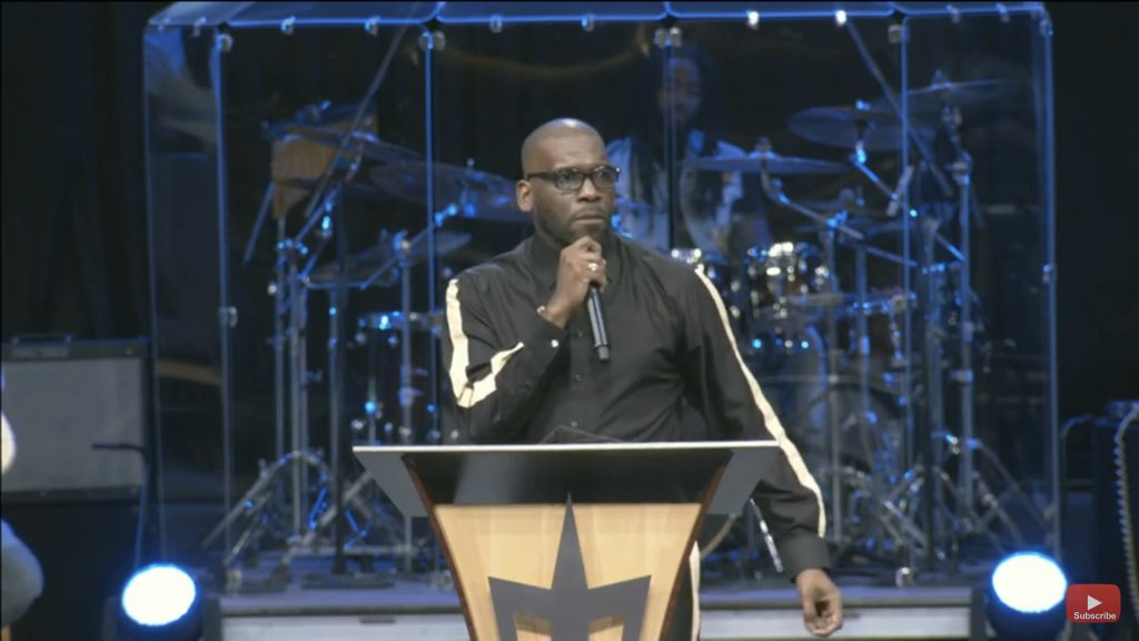 """""""Nothing is more dangerous than a wealthy believer!""""  - @jamalhbryant #NewBirthNow<br>http://pic.twitter.com/TDSFDgyExF"""