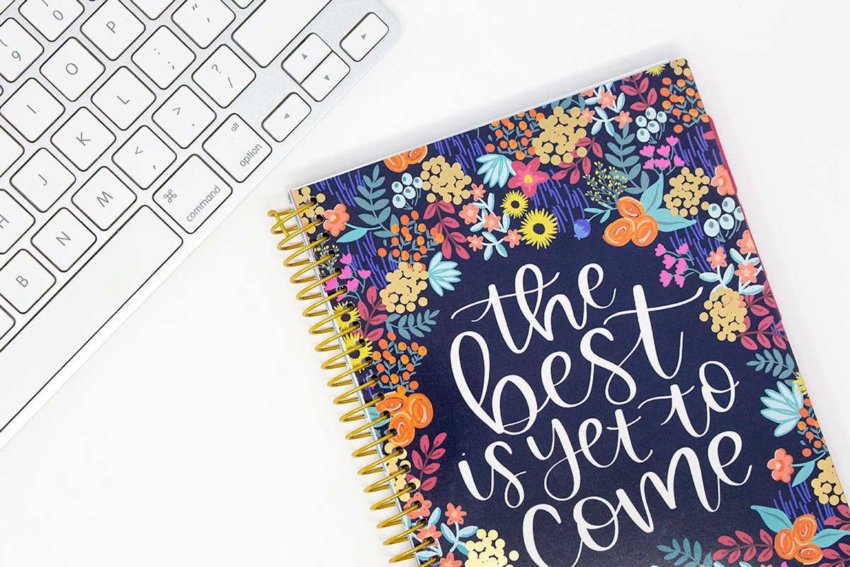 Its a new Monday and were hosting a #GIVEAWAY to celebrate! 🎉 Were giving away a 2019-20 The Best is Yet to Come Daily Planner! 🤗 To Enter: 1.) Follow @bloomplanners 2.) RT! 3.) REPLY w/ your fav season in emojis! 🍂☃️🌷☀️ Winner will be announced on 8/21! U.S. only.