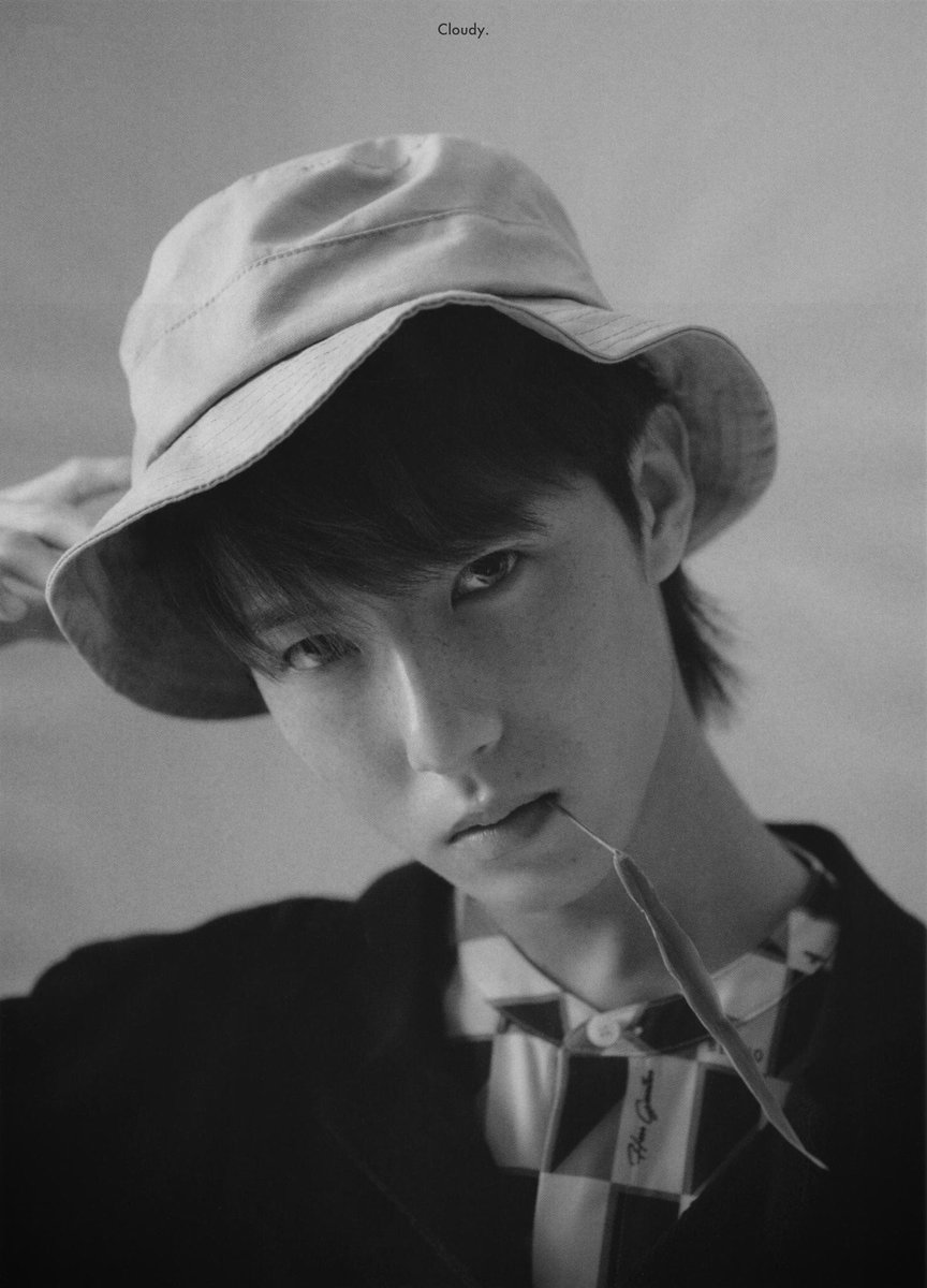 [SCAN]  #RENJUN #런쥔 for Allure magazine 2019 © cloudyDH <br>http://pic.twitter.com/muO3i5AgDu