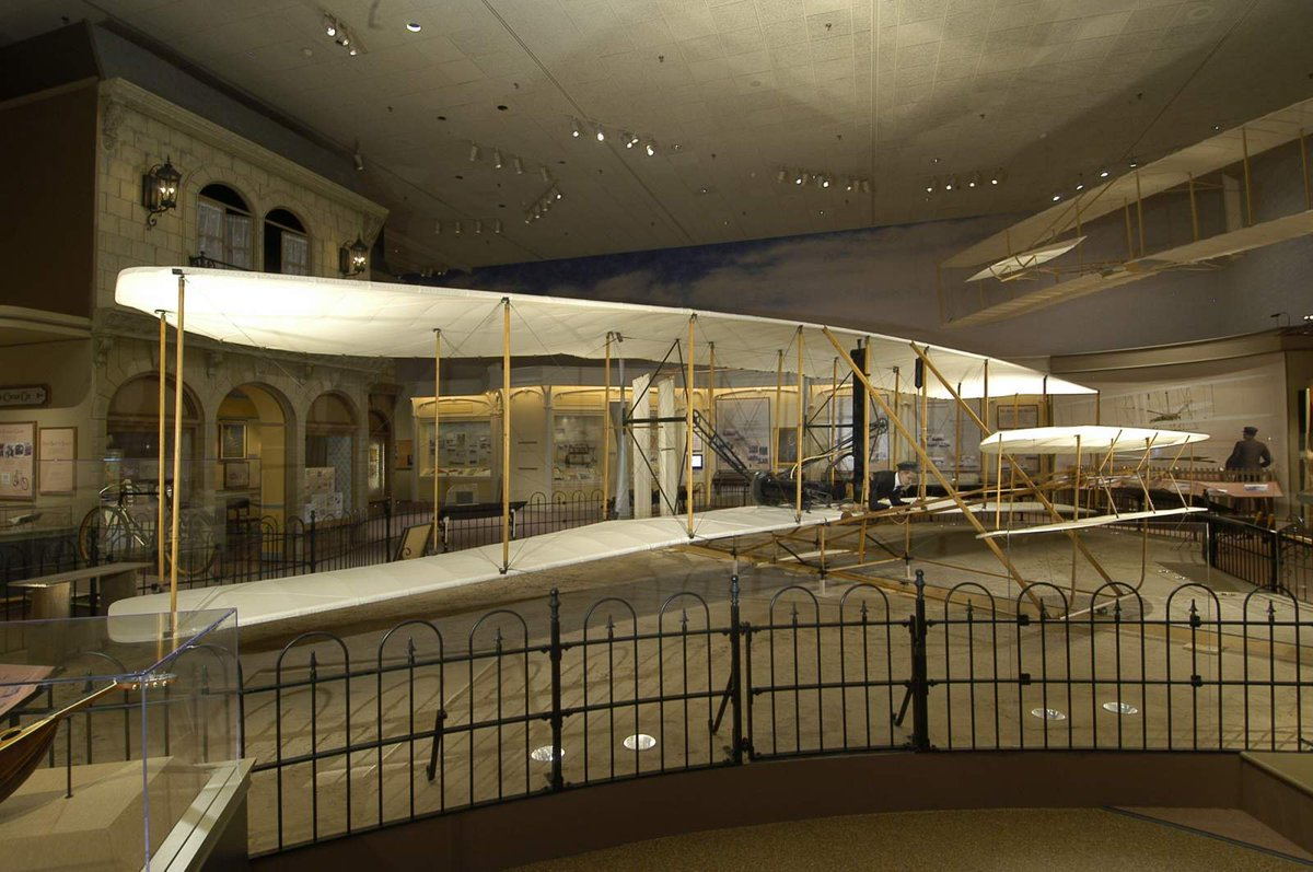Celebrate #NationalAviationDay (and Orville Wrights birthday!) by learning about the 1903 Wright Flyer: s.si.edu/2AcDgIE