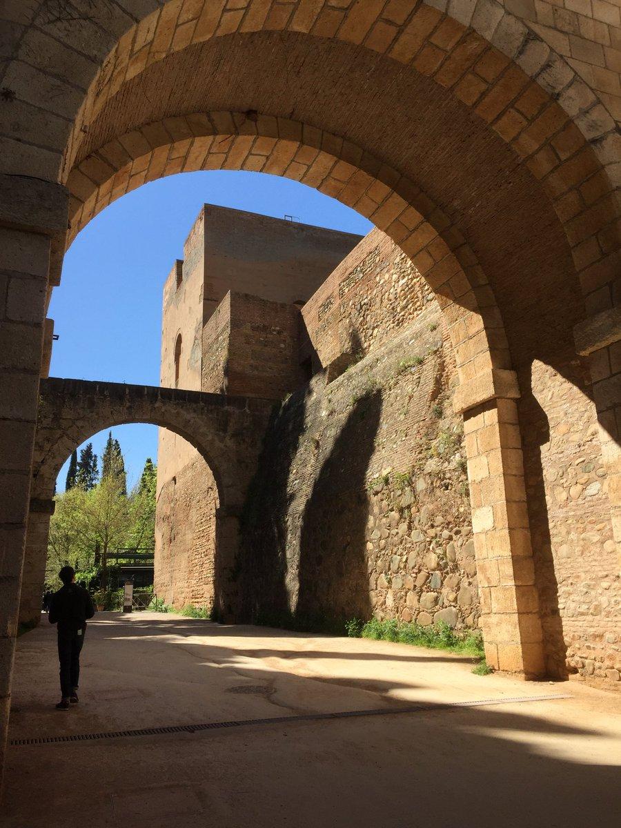Alhambra dating dating gutta med Aspergers