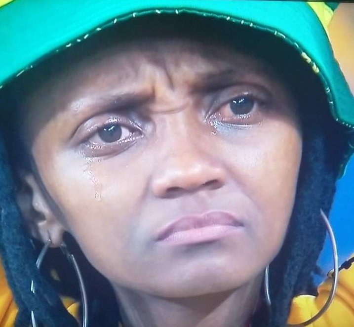 Can someone please check on little Mzi. I'm not ok #thequeenmzansi<br>http://pic.twitter.com/F4HQVugZ97