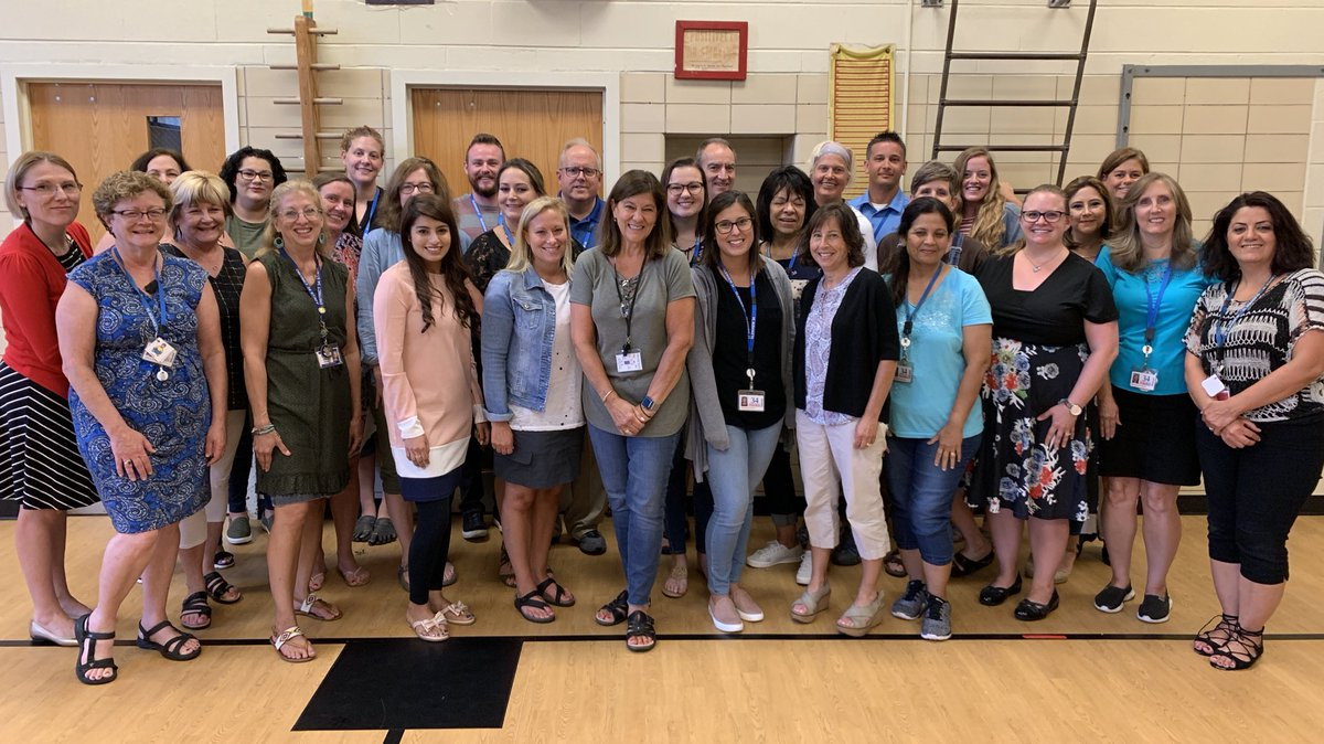 Welcome back to school Associates! Amazing group of champions for our #WBPandas! We are so grateful for all that you do! #HereWeGo #WeAreD34 ❤️🐼