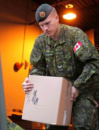 Master Cpl. Patrik Mathews, combat engineer and explosives expert has been identified as a member of neo-Nazi terror organization The Base putting up recruitment posters around #Winnipeg. #cdnpoli  https://www. winnipegfreepress.com/breakingnews/w hite-supremacist-in-army-reserve-553050082.html  … <br>http://pic.twitter.com/xk1ZVSP9xD