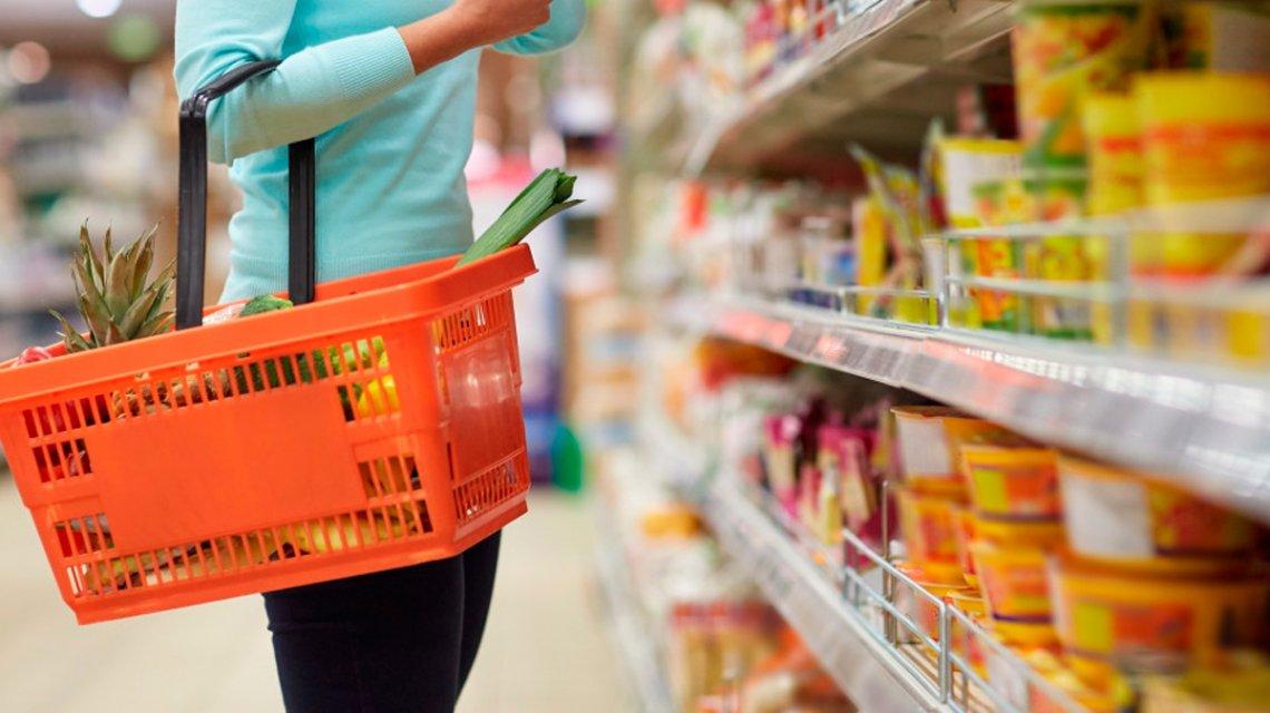 Los precios de los alimentos básicos tuvieron una baja de 0,8% en agosto por la quita del IVA