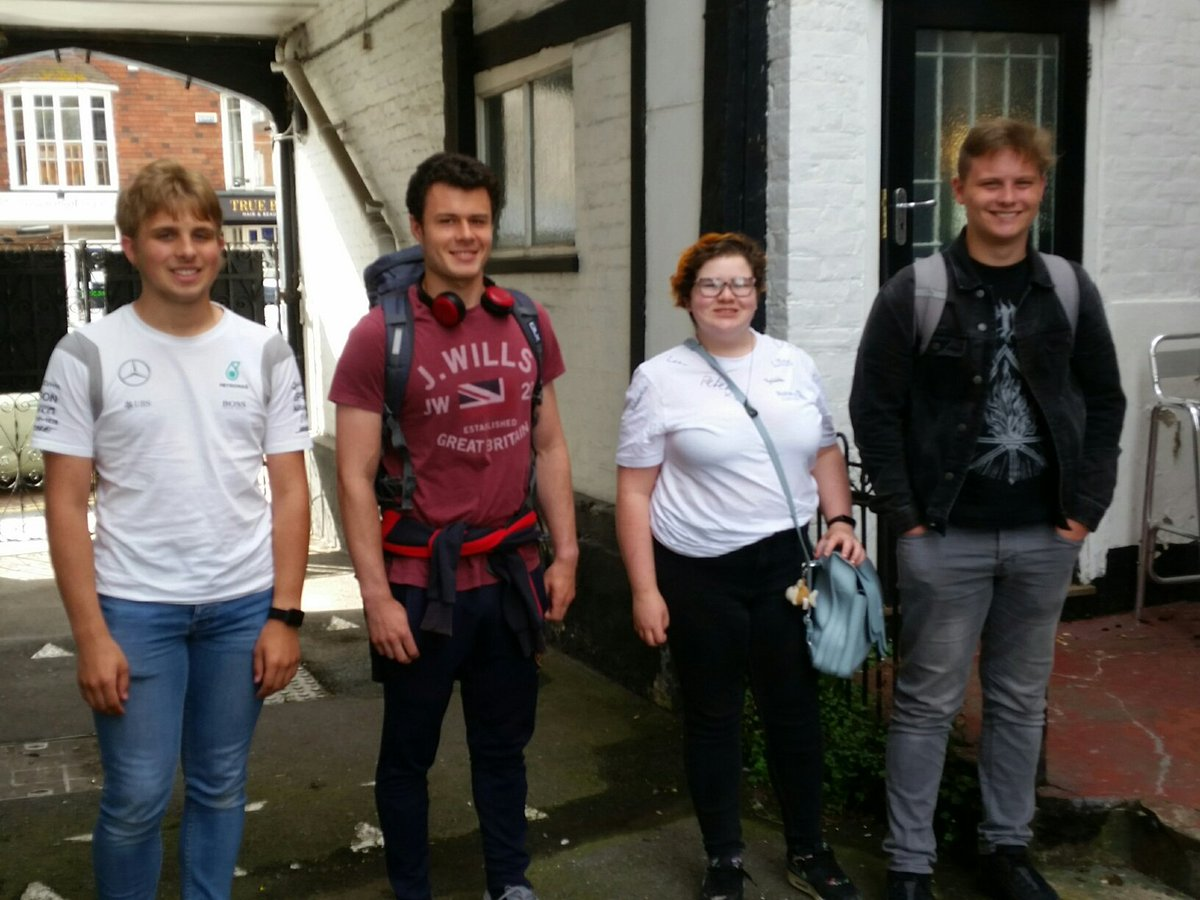 The 4 students pictured have just returned home having spent a week in Goes alongside 16 other students from #Rotary Clubs in Holland, France, Germany & Belgium, who together enjoyed a week of activities ranging from visiting places of interest, water sports and social events. https://t.co/8C20can0pX