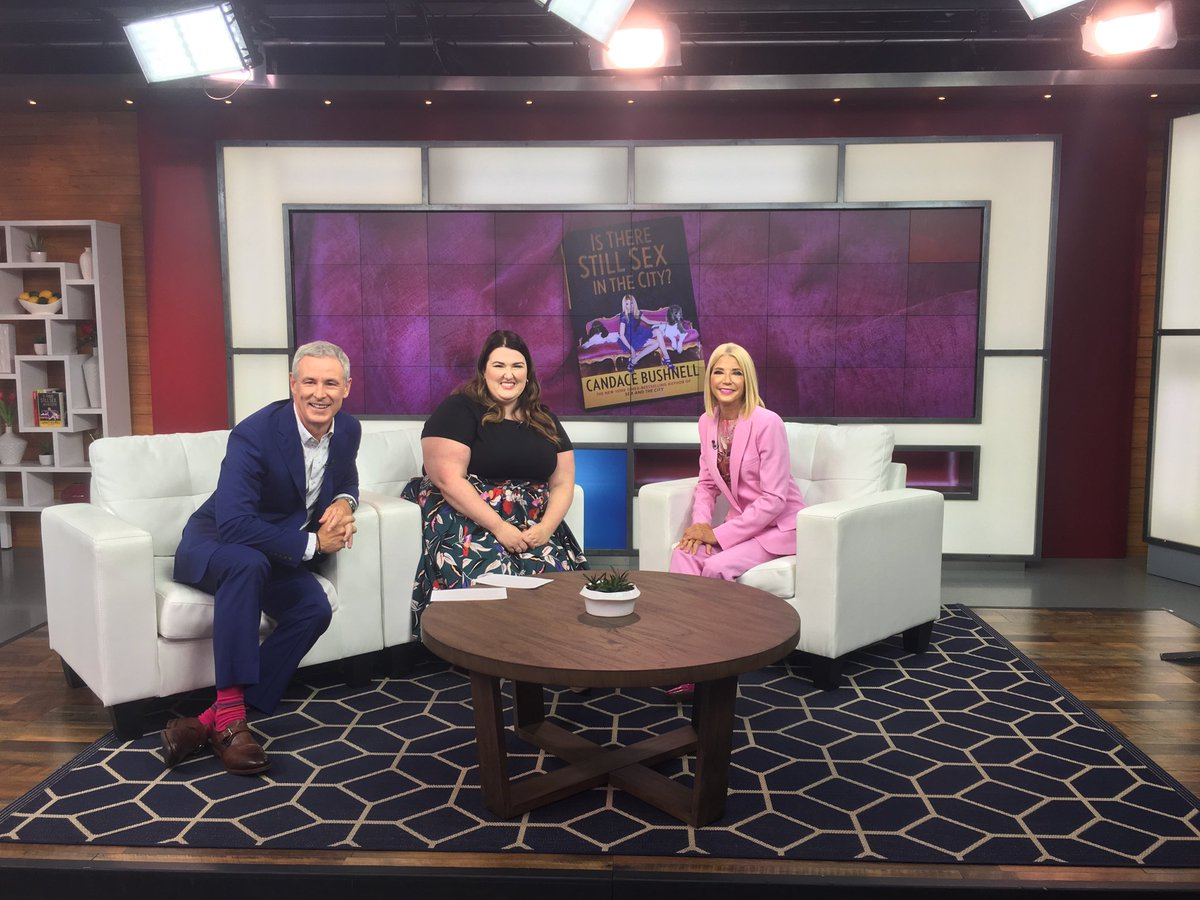 Had a great chat today on @morningshowca with @jmacspeaks @sparksvicky If you're in Toronto don't miss my appearance @torontolibrary tonight 7 pm! #IsThereStillSexintheCity