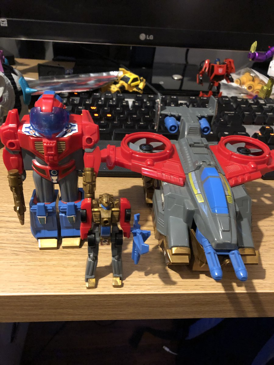 Careful lads, don't look in his genera direction too hard! #Transformers #G1 #GPS