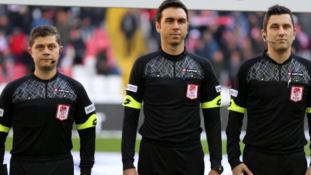 Tek başına takımını sırtlıyor Fenerbahce ona cok sey borclu! Eljif 16'ya gittiyse Arda Kardesler en az 40 milyon euro'ya eder. 5 dakikada 3 penaltı aldi rakibin işini 20 dakikada bitirdi bravo  👏#FBvGFK