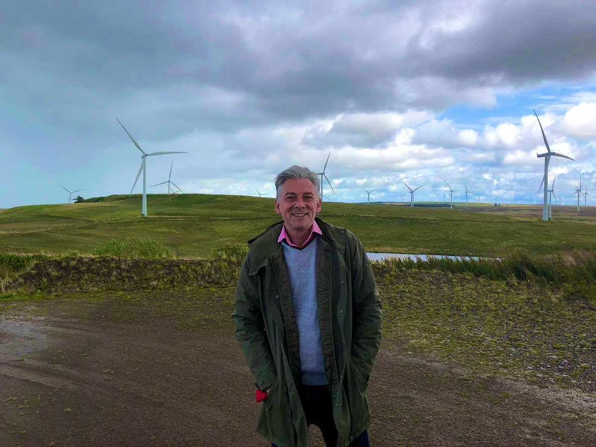 Thanks to @SPRenewables for showing me round Whitelee windfarm - the largest onshore windfarm in the UK. We need to secure more jobs in Scotland from renewables projects as we step up the fight against climate change.
