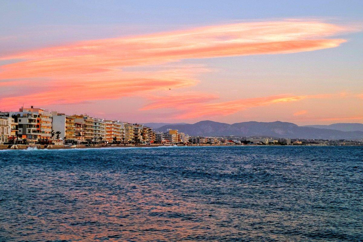 Happy Monday Dear Friends― Corinthia, GREECE.  #HappyMonday   #FelizLunes                    #reflections<br>http://pic.twitter.com/DvPE4PGVJ5