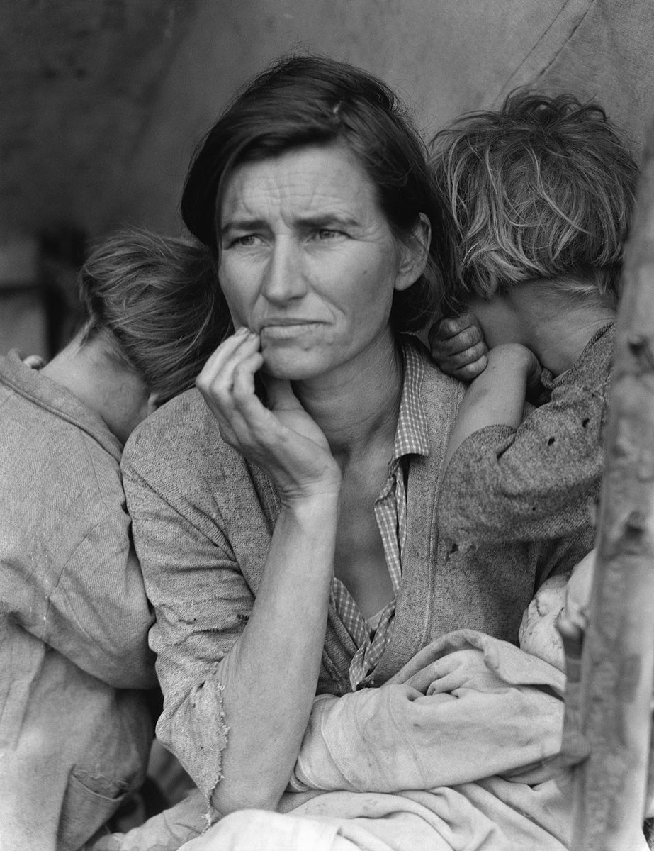 Migrant Mother has captured the hearts of Americans since Dorthea Lange took the photo in 1936. But who is the woman in front of the camera? On #WorldPhotographyDay, lets take an in-depth look at one of Americas most iconic images with @ArtAssignment. youtu.be/h9AiJWk5QdU