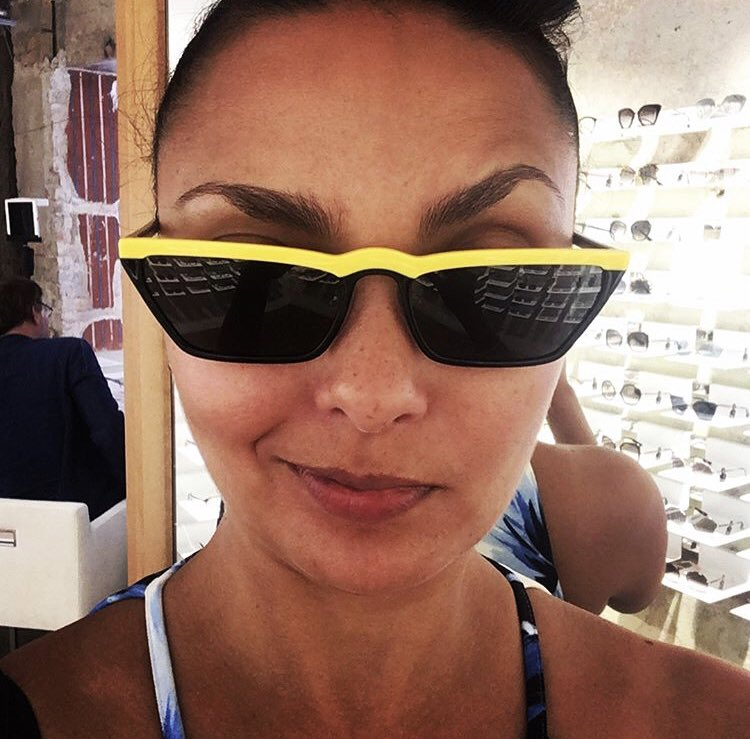 @kamidog @EyebrowOfJH From the archives 😎 #EyebrowOfJH #DealWithIt 😂 #TeamHarris