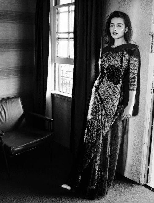 Emilia Clarke appreciation tweet.  My queen. #Daenerys #GameOfThrones  <br>http://pic.twitter.com/2BRBW35GVa