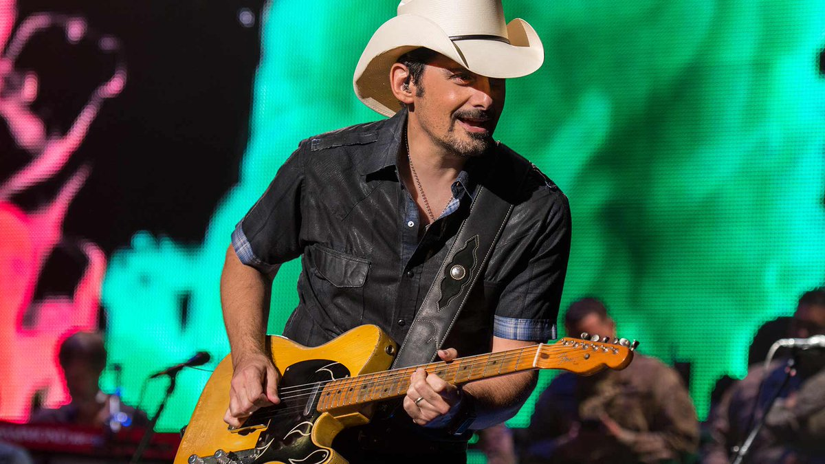 Want some FREE tickets to go see #BradPaisley at @PNCArtsCenter on Aug 31st? Just tune in & rock w/ me on @Magic983 cause I have your tix coming up!   <br>http://pic.twitter.com/qvymLSydNs