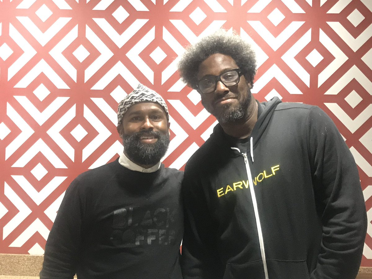 That time me and @wkamaubell met up in #Oakland to talk race, politics, and family. Dude had me !!! Memorable quote: it's crazy out there, but I show my kids a little bit of news...it's like giving them  #parentingtips<br>http://pic.twitter.com/Go3JJnx0xE