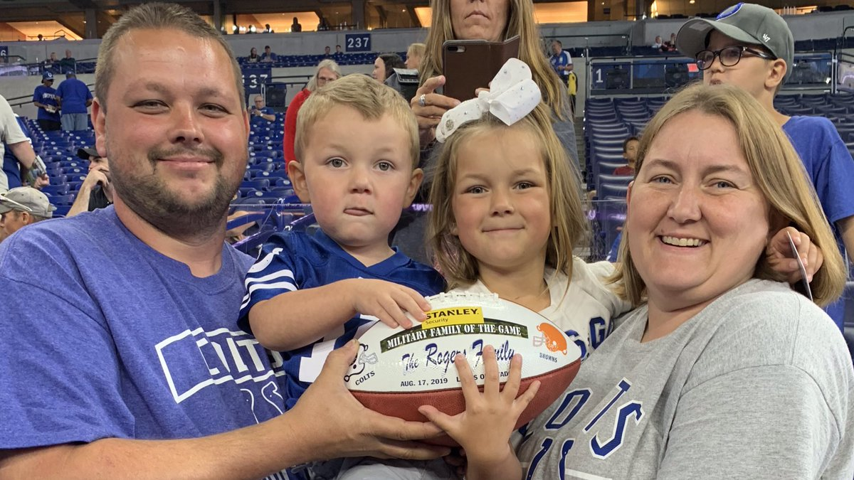 Sergeant Samantha Rogers and her family were the #CLEvsIND @STANLEYSecurity Military Family of the Game! #ColtsHuddleFor100 Learn more at stanleysecuritysolutions.com