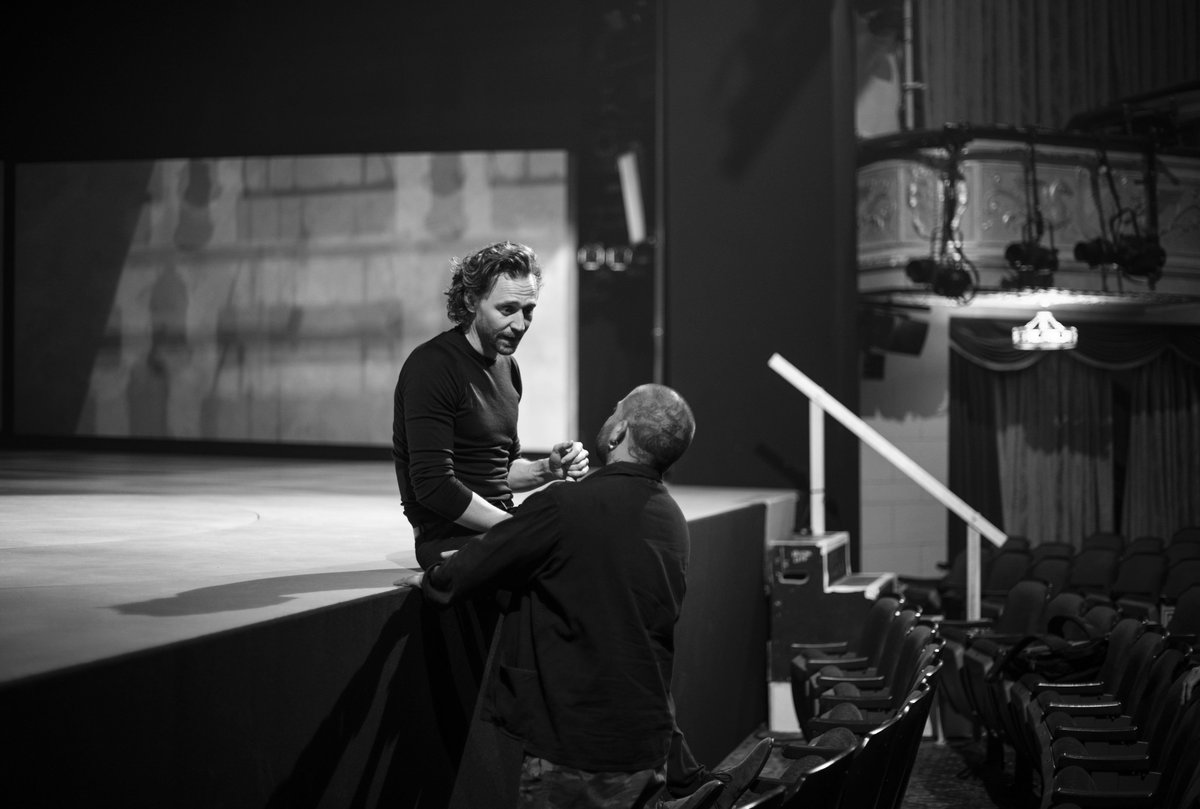 The work never stops for @twhiddleston. Here he is chatting with director Jamie Lloyd about his interpretation of Robert. Who's coming to see him perform this week? #BetrayalBroadway<br>http://pic.twitter.com/6Xk3wokCgP