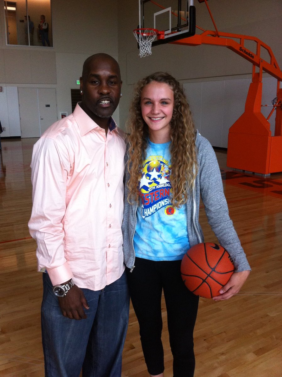 "Katie began next step of her basketball career today by leaving for Germany today.  First it was being recruited to OSU by ""the glove"", Gary Payton.  Then it was a state championship at South Salem and next playing in 4 straight Sweet 16's for Beaver WBB.  Pro career starts 8/25. <br>http://pic.twitter.com/PDGmdQx1fA"