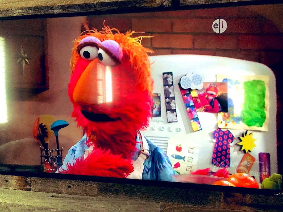 Elmo's dad is a phan! <br>http://pic.twitter.com/5u6utZ5LlX