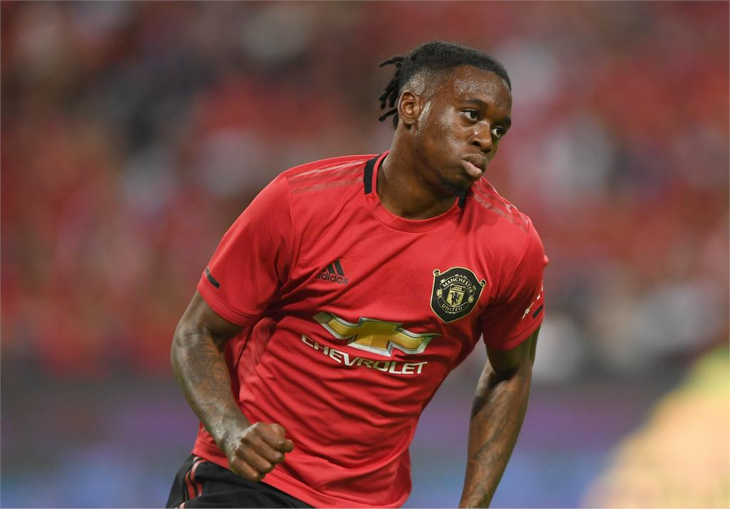 Most Passes Most Tackles Most Touches  Wan-Bissaka Head and shoulders Man of the Match again #MUFC<br>http://pic.twitter.com/K6UC7wo8dz