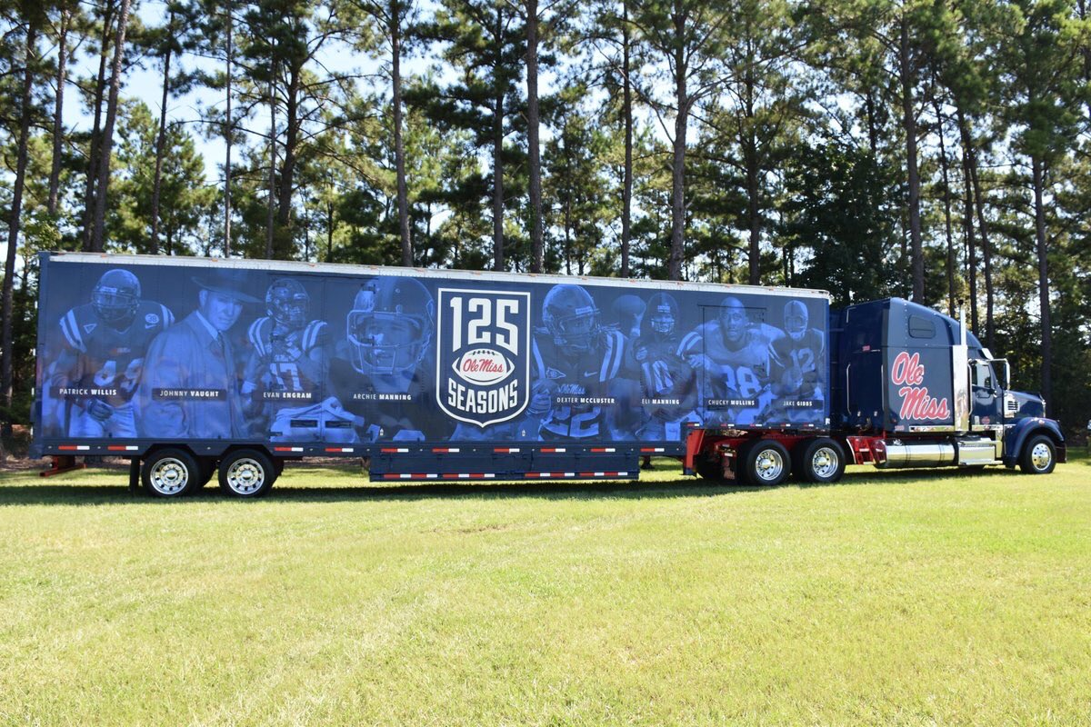 New look coming at ya 💪 Big S/O to @KLLMtransport for helping us transport in style in 2019 #HottyToddy 🔴🔵