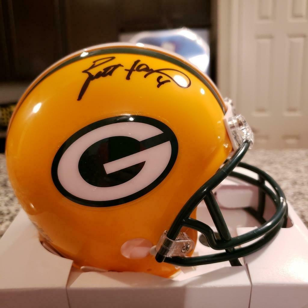 For your chance to win this signed Brett Favre mini helmet, compliments of @RadtkeSports, retweet THIS tweet, follow @RadtkeSports and yours truly, and use the hashtag #winbrettshelmet Winner announced 8/26. Good luck! #packers <br>http://pic.twitter.com/AdQKL3BlEz