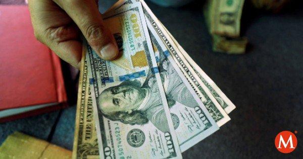 RT @mileniotv: El #dólar vuelve a venderse arriba de 20 pesos por unidad en bancos https://t.co/vYWgTQY306 https://t.co/x4om9bSzc7