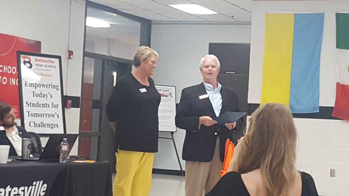 Congratulations, Ms Roepcke, for being named with the Above & Beyond Award! #BatesvillePioneers<br>http://pic.twitter.com/eRSK6k1tgd