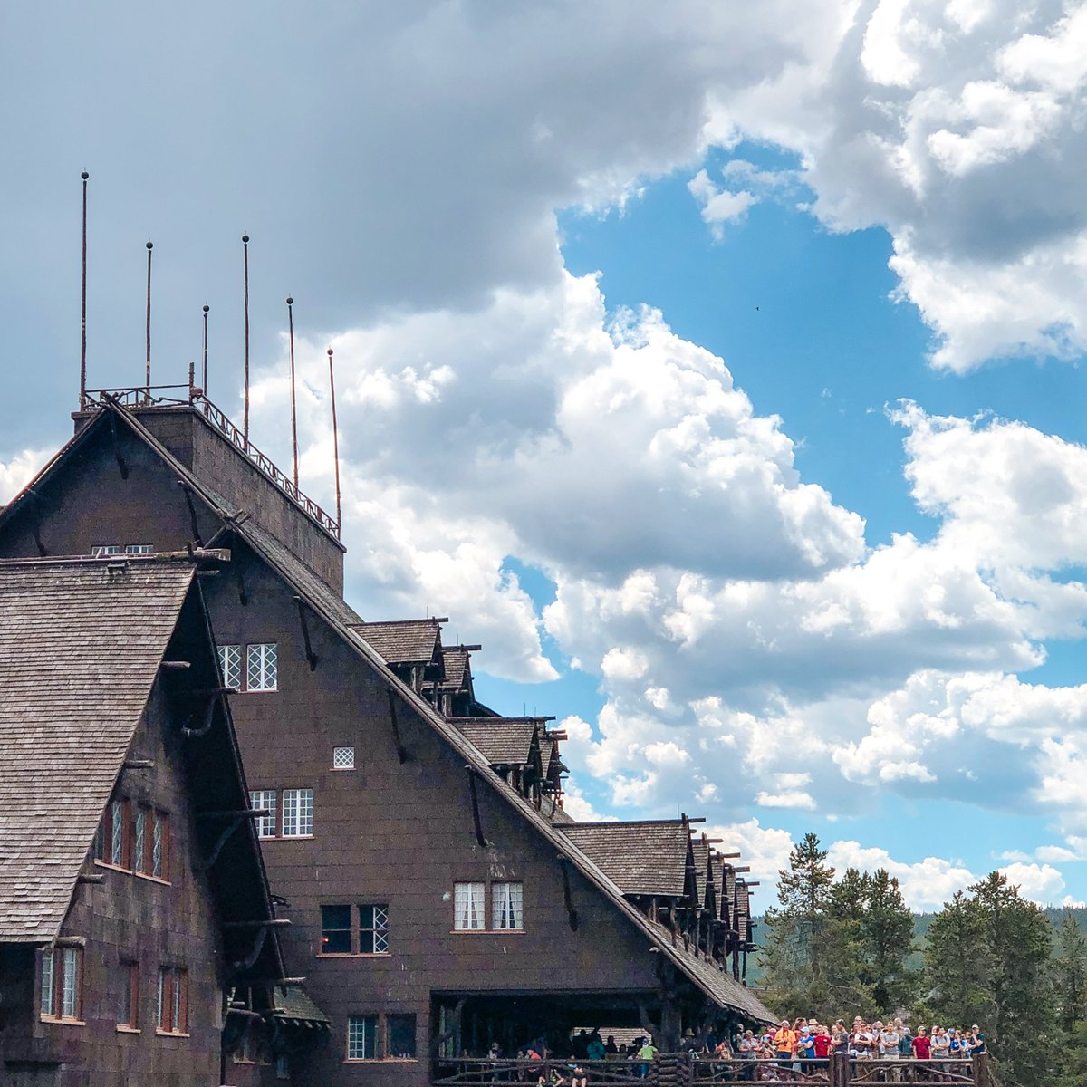 The Best Places in West Yellowstone: The Old Faithful Inn  https://t.co/LkeQwppgcT https://t.co/aFiok2TWjX