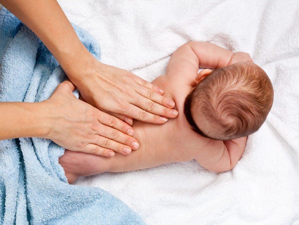 pronikayushiy-massazh-dlya-mamochki-video-prieme-ginekologa