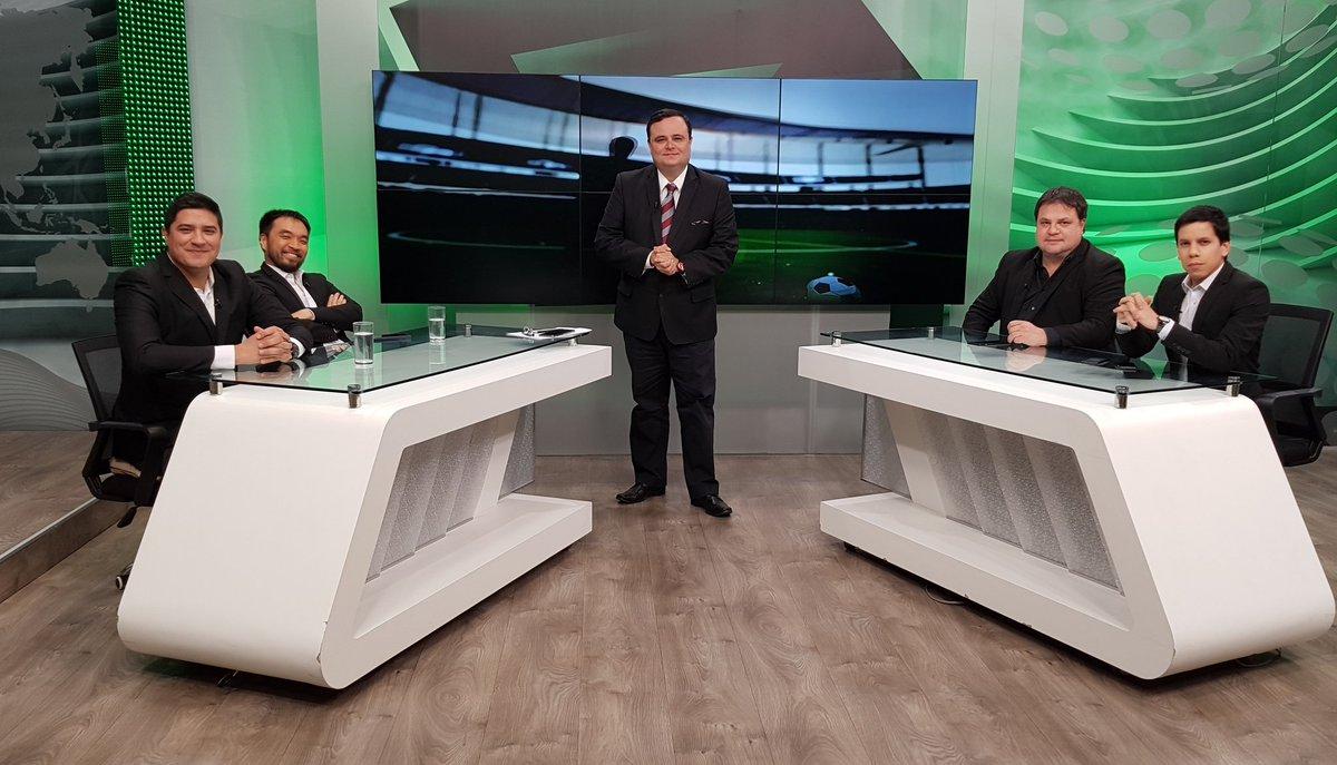 ⚽ ¡AL AIRE #PeligroDeGol con el análisis, la opinión y el debate sobre el fútbol! 📺 Hasta las 22:00 con @BrunoPont, @Danichung, @Fedearias77, @arielmarecos25 y @DarioIbarra01. 📺Tigo Star (19 y 729 HD), Personal TV (Canal 50), Claro tv+ (Canal 10), Copaco IPTV (Canal 10).
