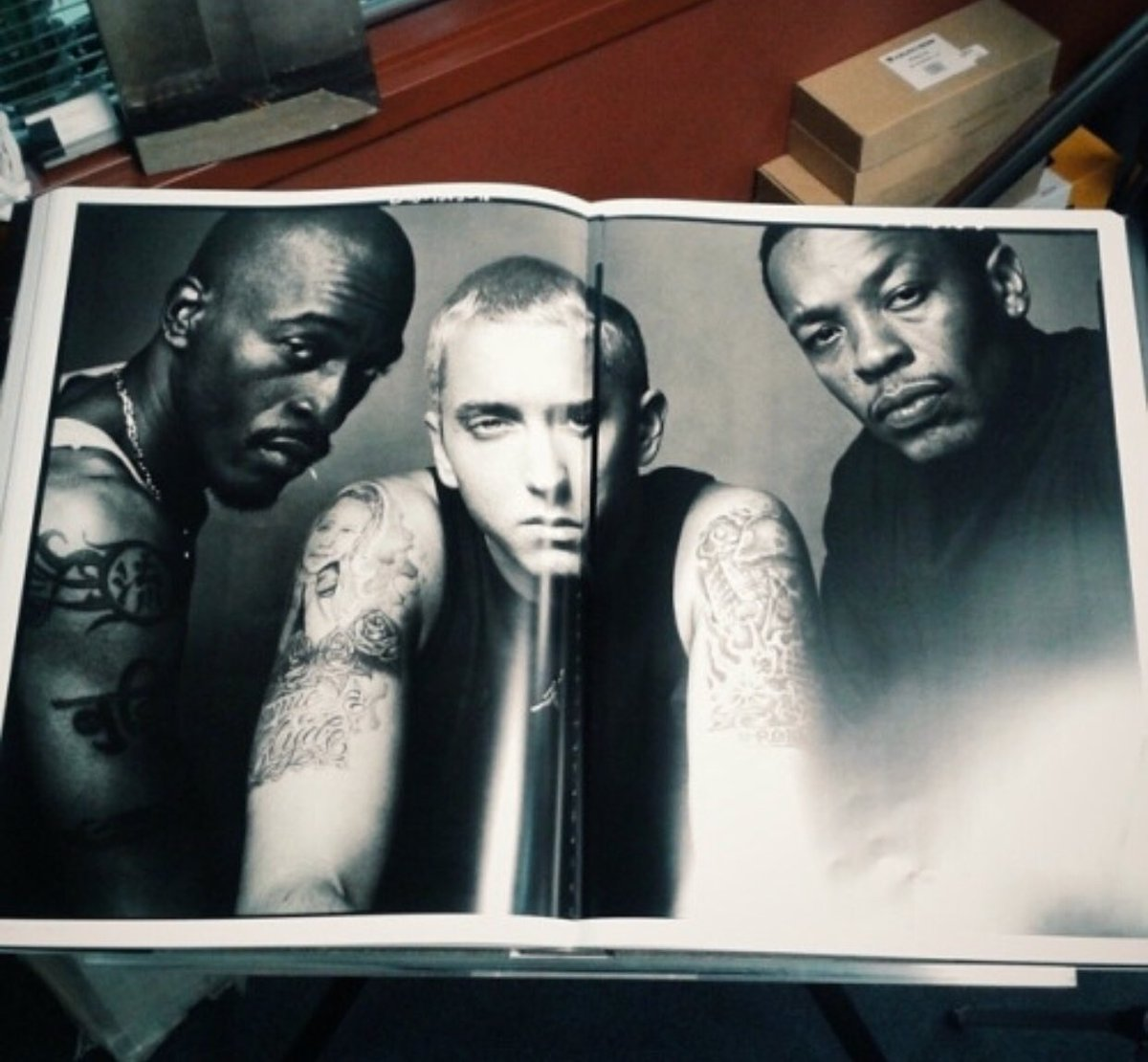 In 2002, photographer Annie Leibovitz wanted to do a photo of Eminem for the Vanity Fair music issue. She thought it would be historic to add Dr. Dre & Rakim: three generations of hip hop.   The photo shoot took place at Jimmy Iovine's home in Los Angeles on May 31, 2002. <br>http://pic.twitter.com/zhKu1RP0Hm