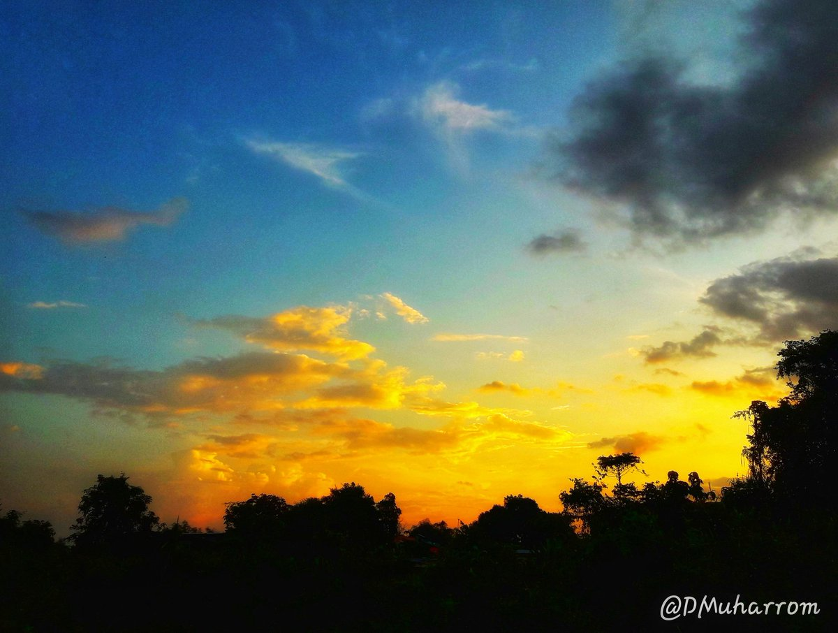 Colors are the smiles of nature Samsung SM_J710GN f/1.9  1/500  3.70mm ISO40 @FOTOHEBAT #INIFOTOKU @samsungID  #whitGalaxy <br>http://pic.twitter.com/qyciByWrbQ
