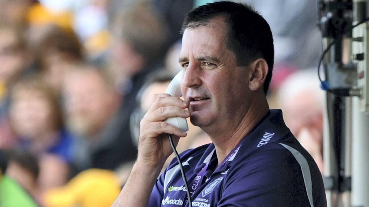 LIVE: Ross Lyon on hold to Centrelink.  #AFL  <br>http://pic.twitter.com/Dr1bVNxSOZ